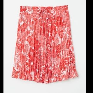 NWT H&M pleated floral skirt